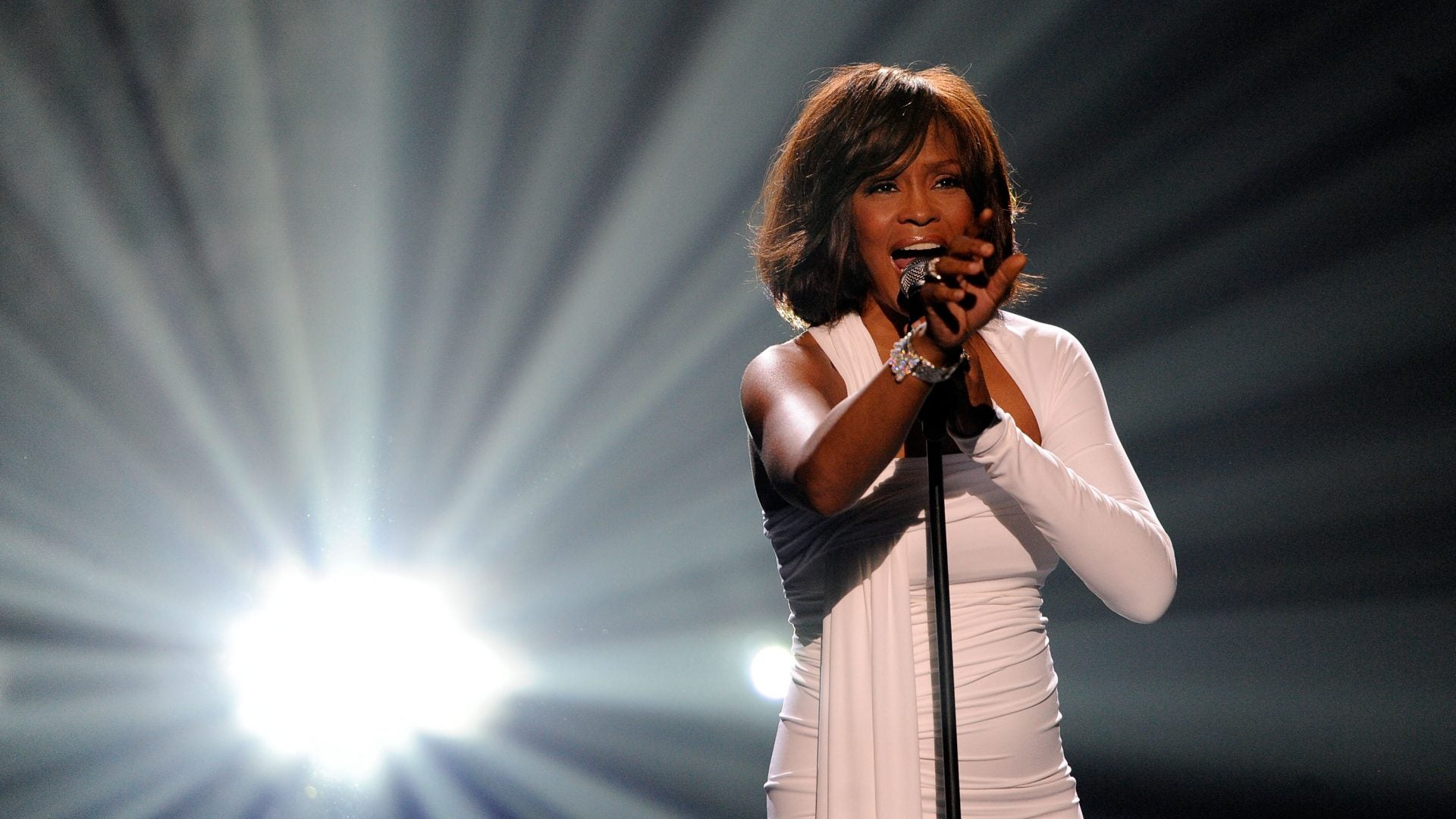 First Night of Whitney Houston Hologram Tour Met With Mixed Reviews