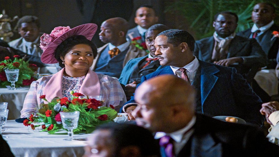 Madam's CJ Walker's Great-Granddaughter A'lelia Bundles Pans 'Self Made'