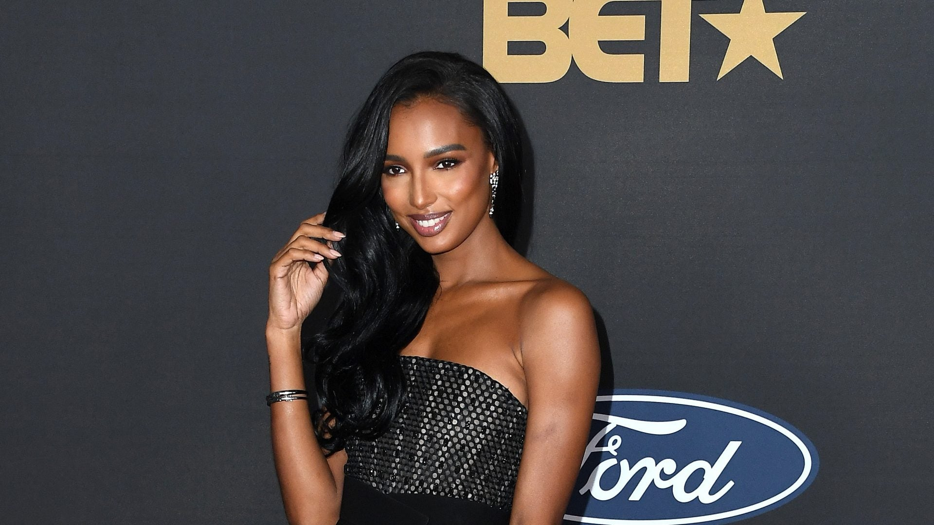 Jasmine Tookes Getting Ready For The 51st NAACP Image Awards