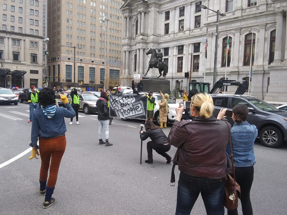 Philly Activists Stop Traffic To Demand Release Of Incarcerated People Amid COVID-19 Crisis