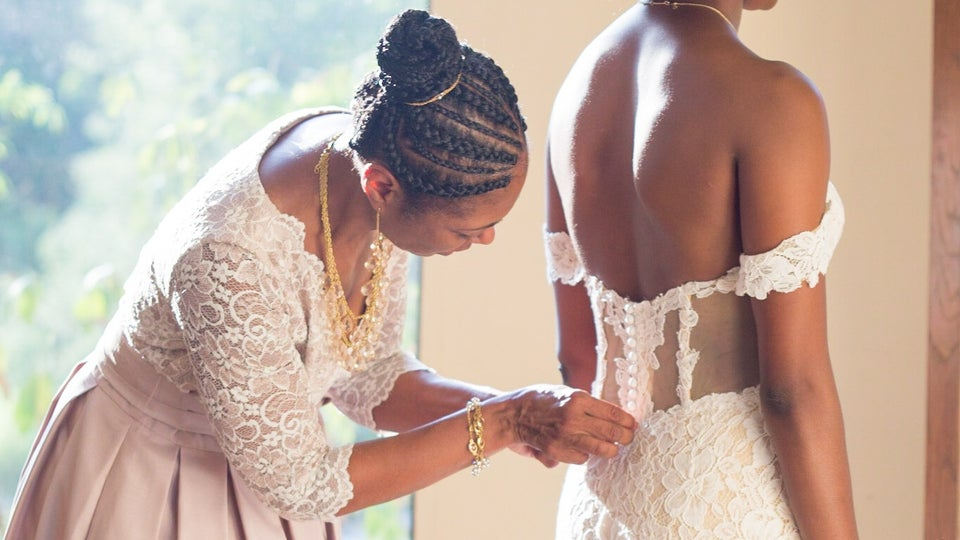 Anomalie Guarantees Wedding Dresses Will Make It On Time