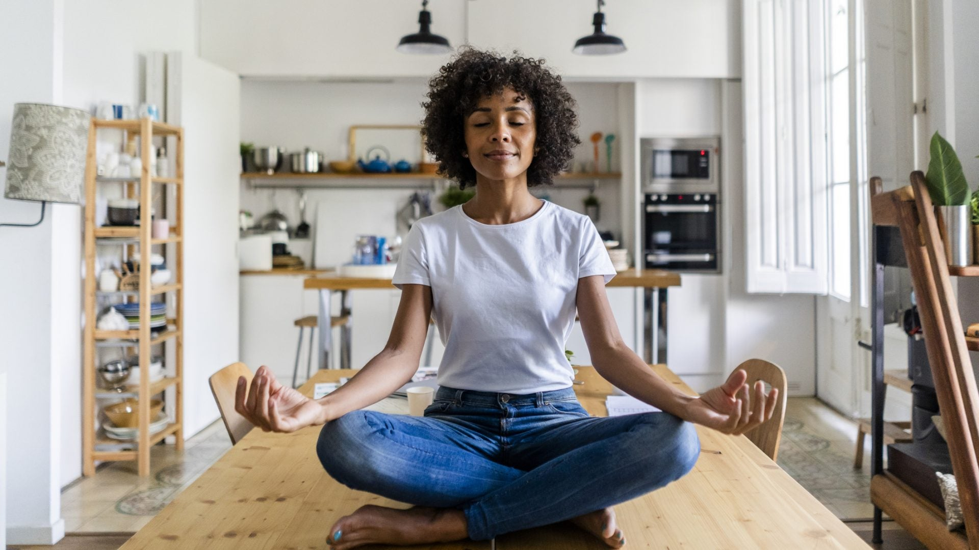 Feeling Anxious? Check Out These Free Meditation Apps To Help You Stay Calm