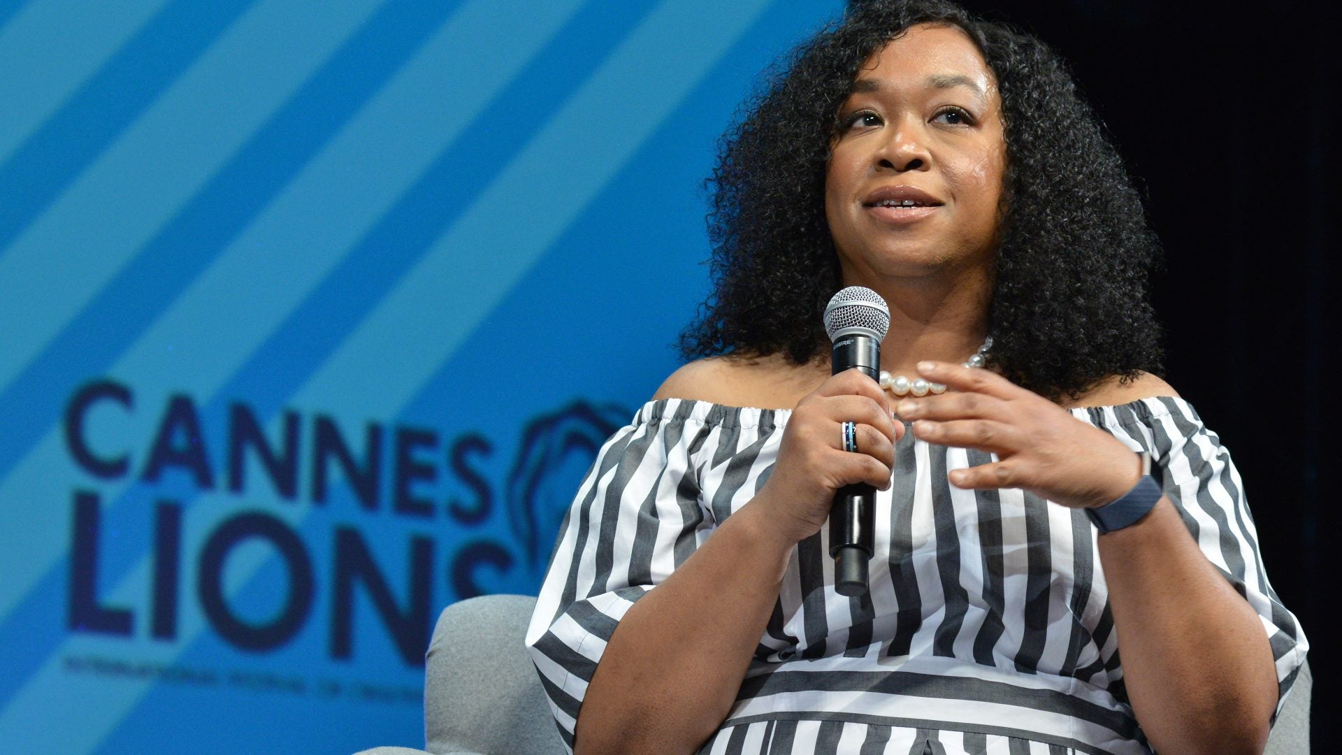 Amid School Closures Due to Coronavirus Shonda Rhimes Says 'Teachers Deserve To Make A Billion Dollars A Year'