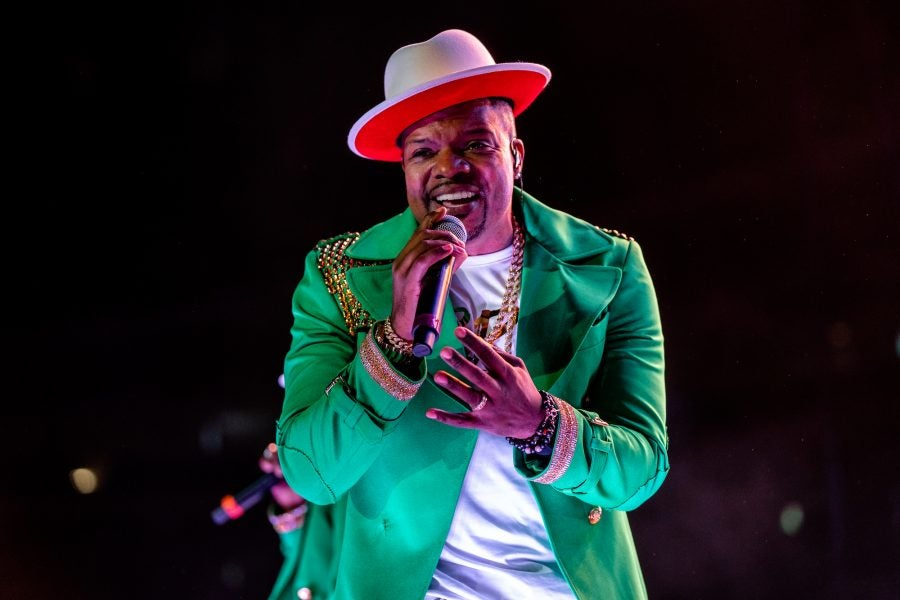 Ricky Bell Gets Down To 'Cool It Now' While Grocery Shopping