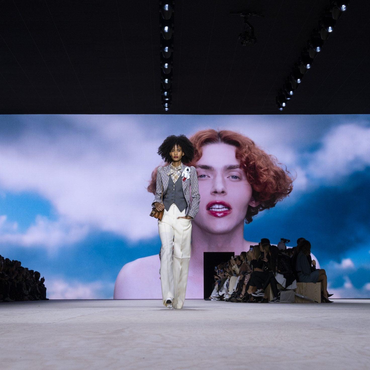 Watch Louis Vuitton Women's Fall-Winter 2020 Show Live