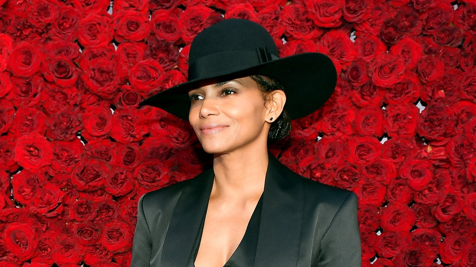 Yes, Halle Berry Is Related To Sarah Palin But She 'Ain't Invited To The Cookout'
