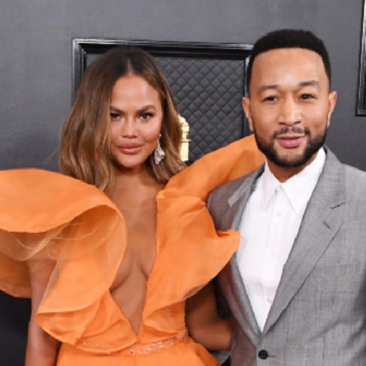 Chrissy Teigen's Head Wrap Stole The Spotlight During John Legend's Instagram Concert