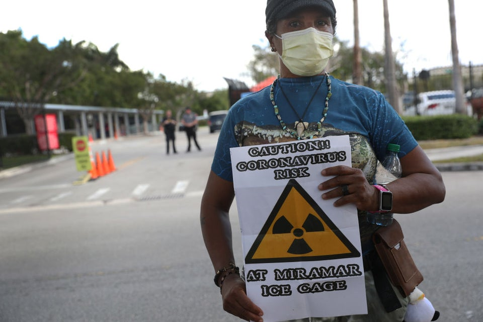 ICE To Halt Most Arrests Amid COVID-19 Pandemic