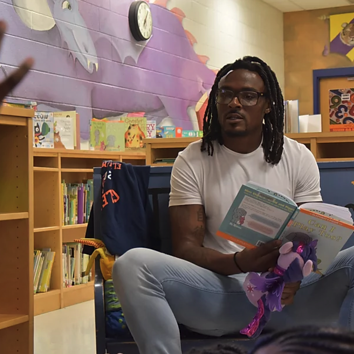 This NFL Player Is Making Black Children Fall In Love With Reading