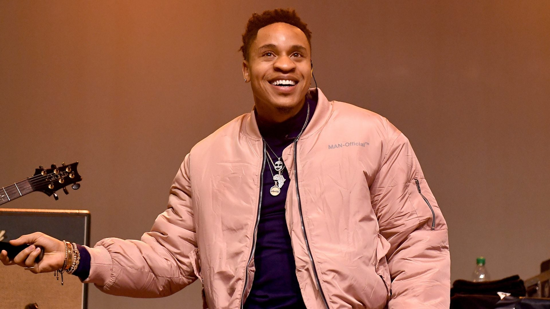 Rotimi Gives a Virtual Performance On ESSENCE Live
