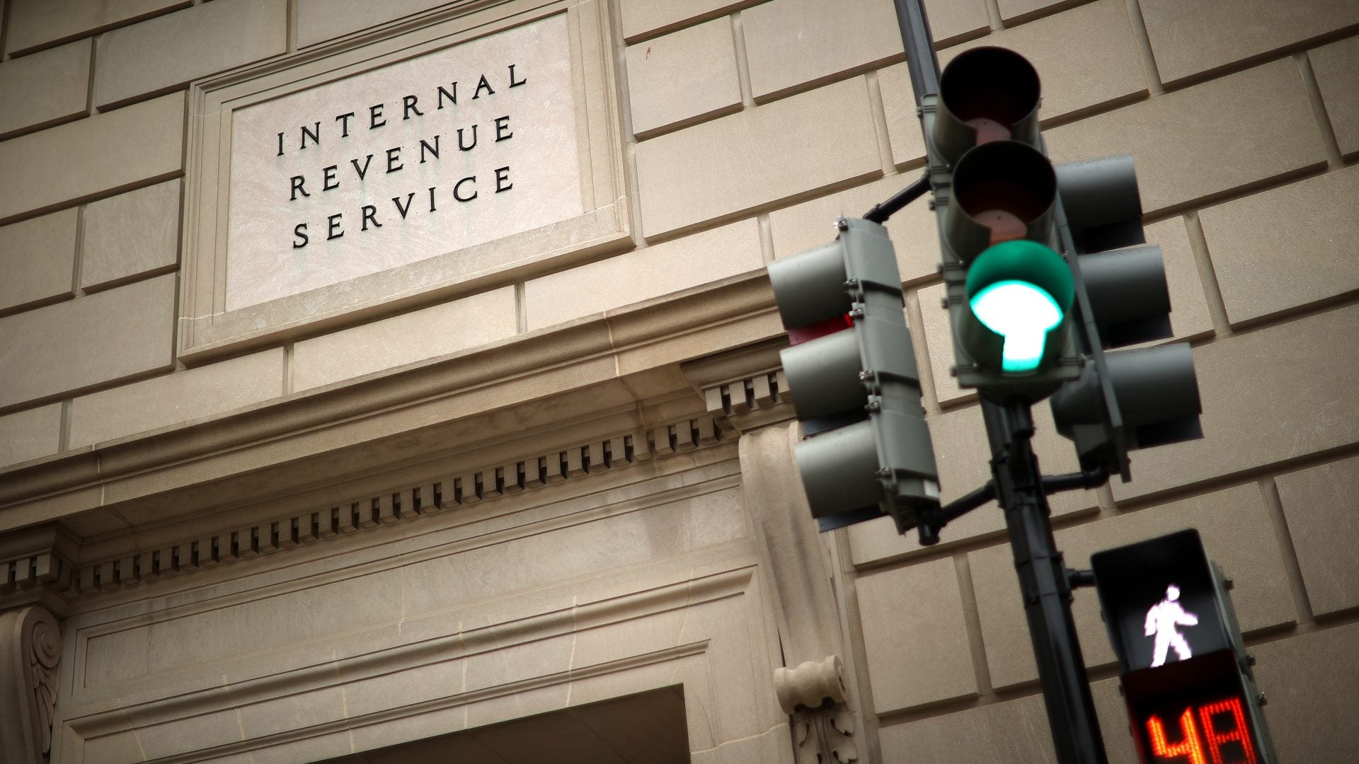 IRS Offers 'Mission-Critical' Employees Incentive Pay To Return To Offices