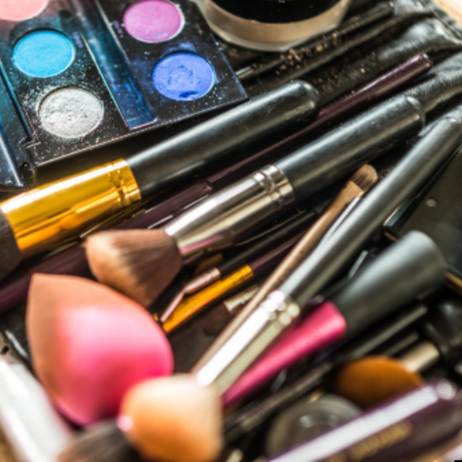 9 Best Makeup Organizers For Decluttering Your Vanity
