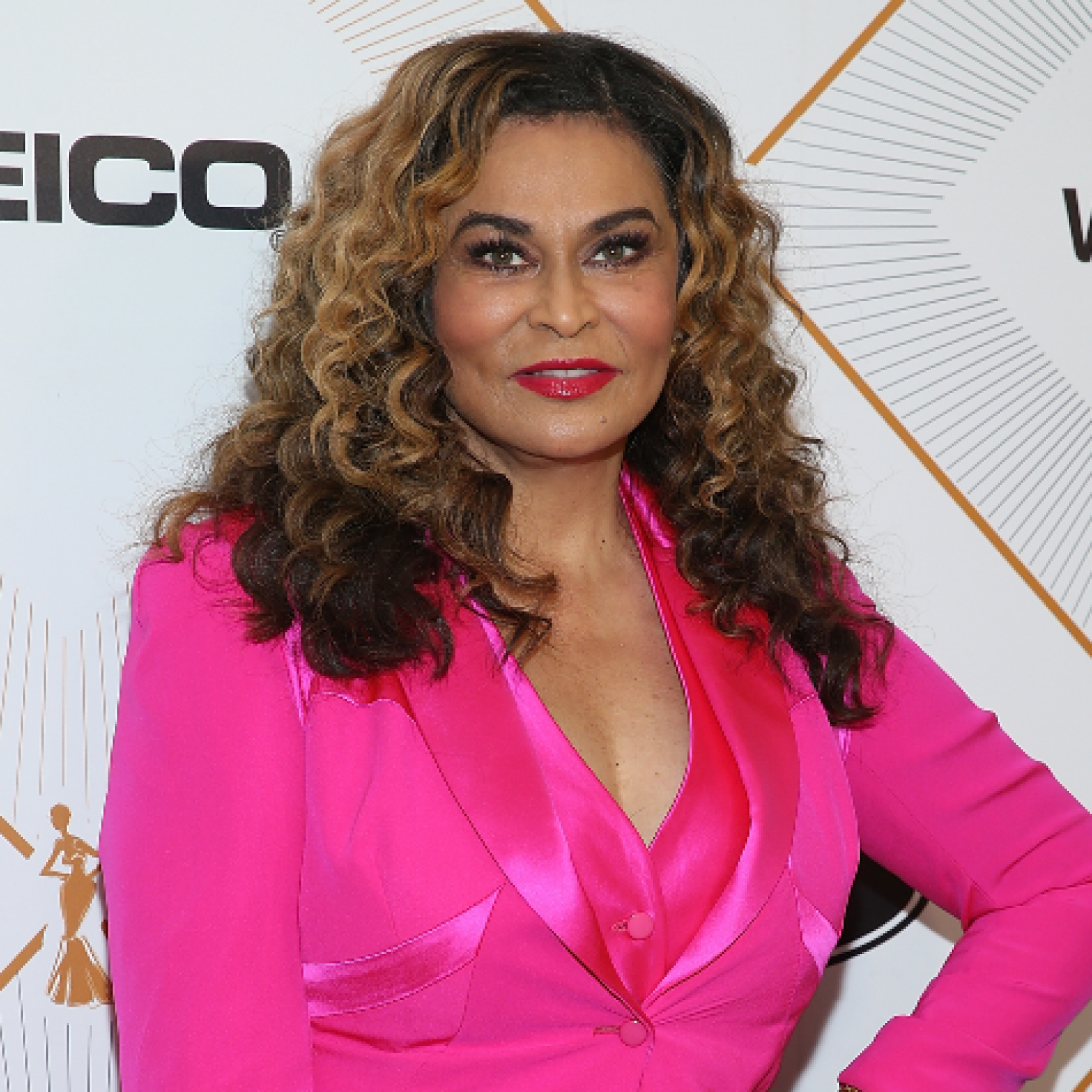 Tina Knowles-Lawson Almost Looks Unrecognizable In Short Hair