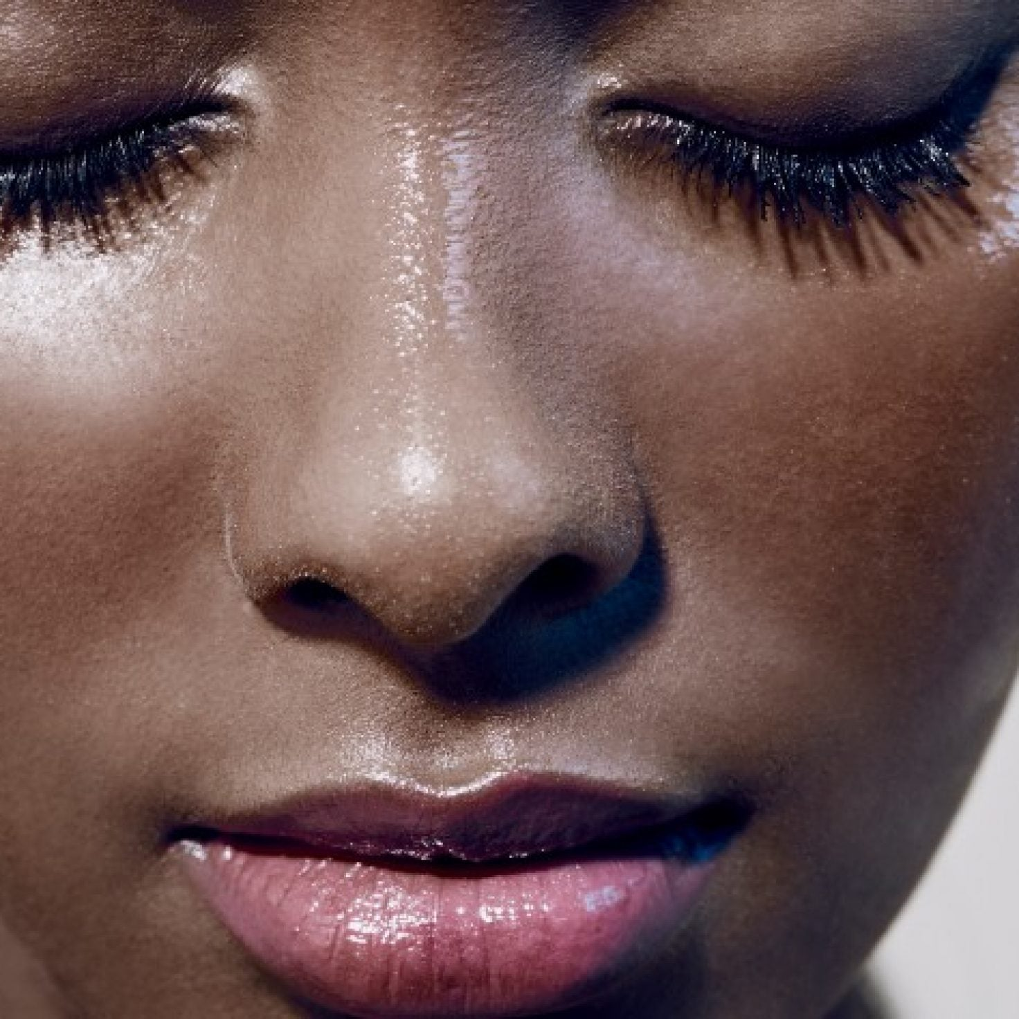 You've Been Applying Your Lashes Wrong, Quon Wilson Is Here To Help