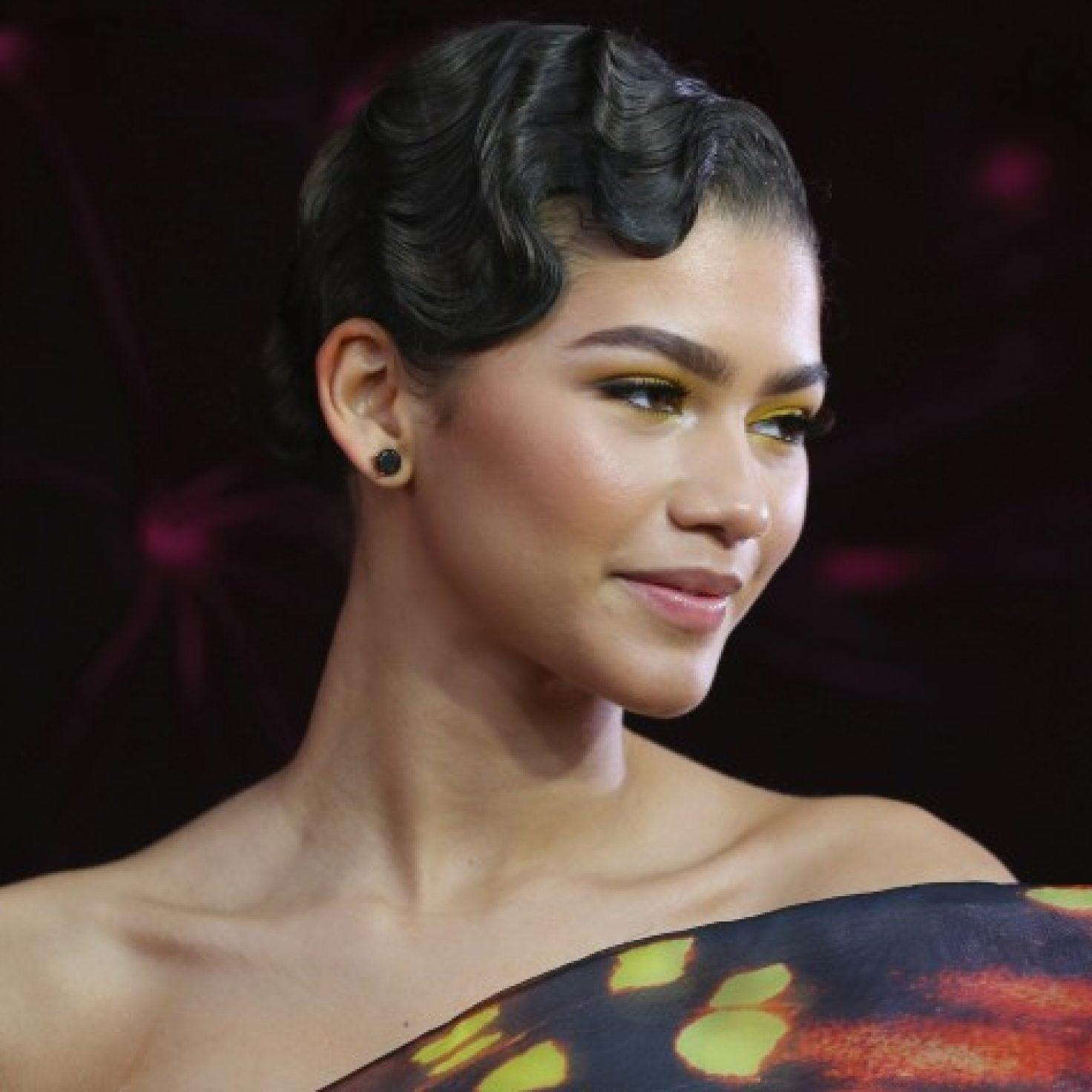 5 Nineties Hairstyles To Practice On Natural Hair During Quarantine