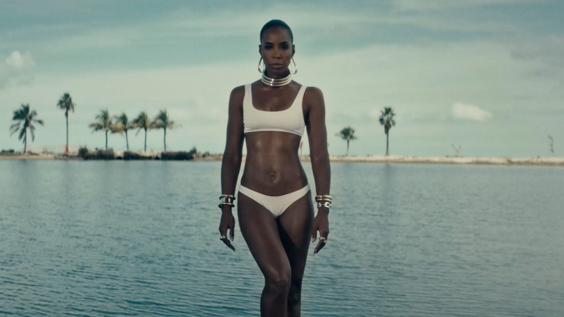 How Kelly Rowland Learned To Stand In Her Womanhood: 'You're Going To Get All of This'