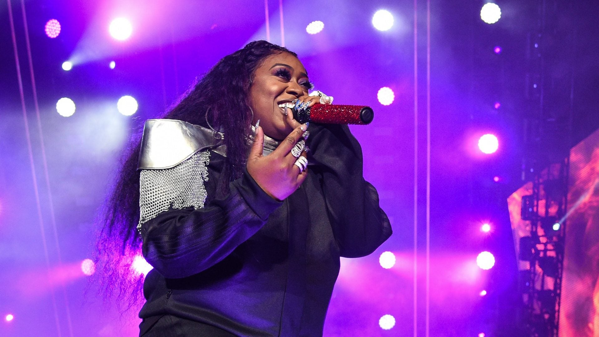 Missy Elliott's New Haircut Looks Like It Came Straight From The '90s