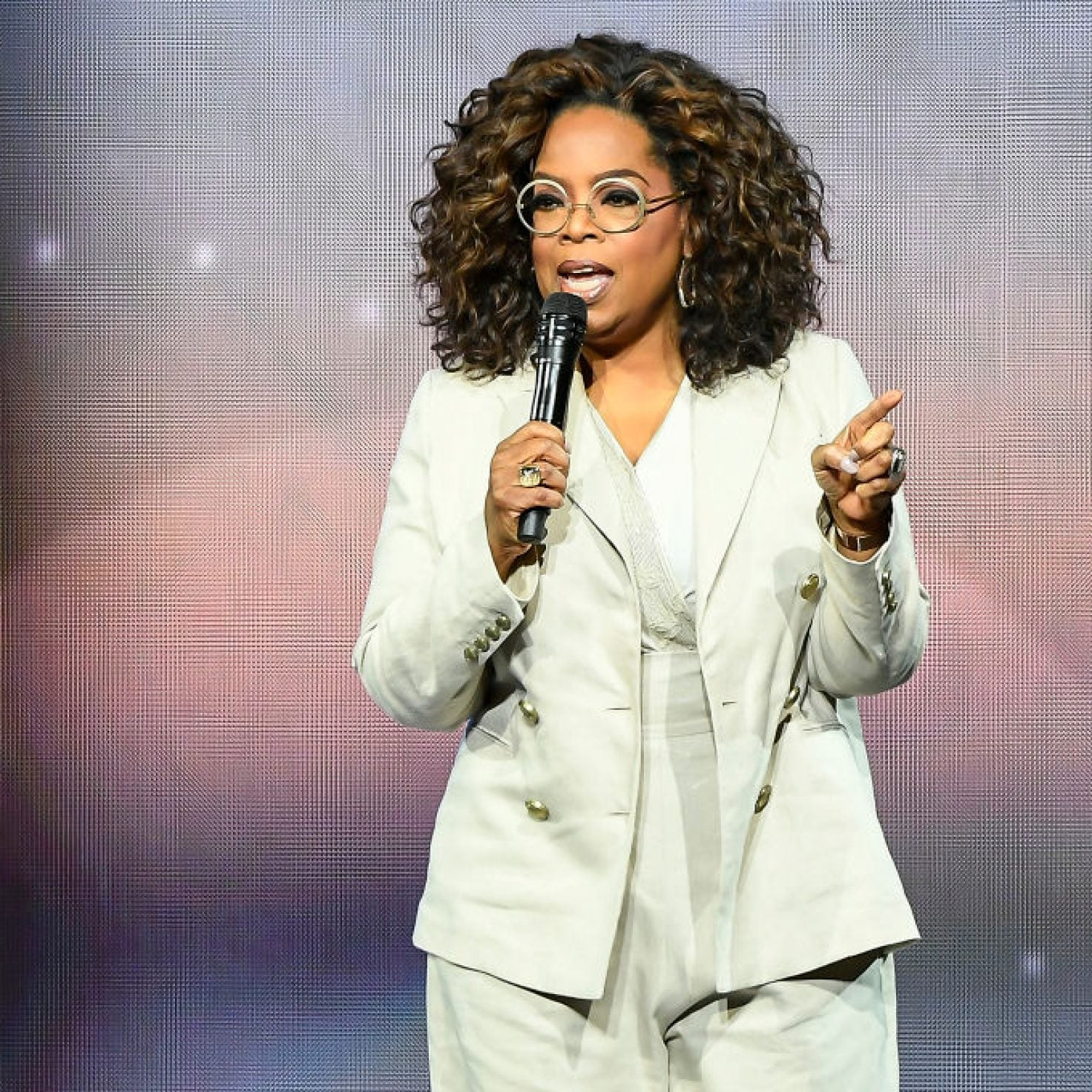 Oprah Winfrey to Host Virtual 'Your Life in Focus' Wellness Tour