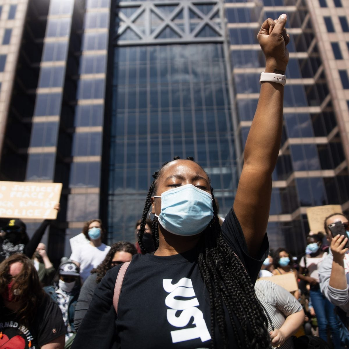 Live Updates: Protests Against Police Killings Spread Nationwide