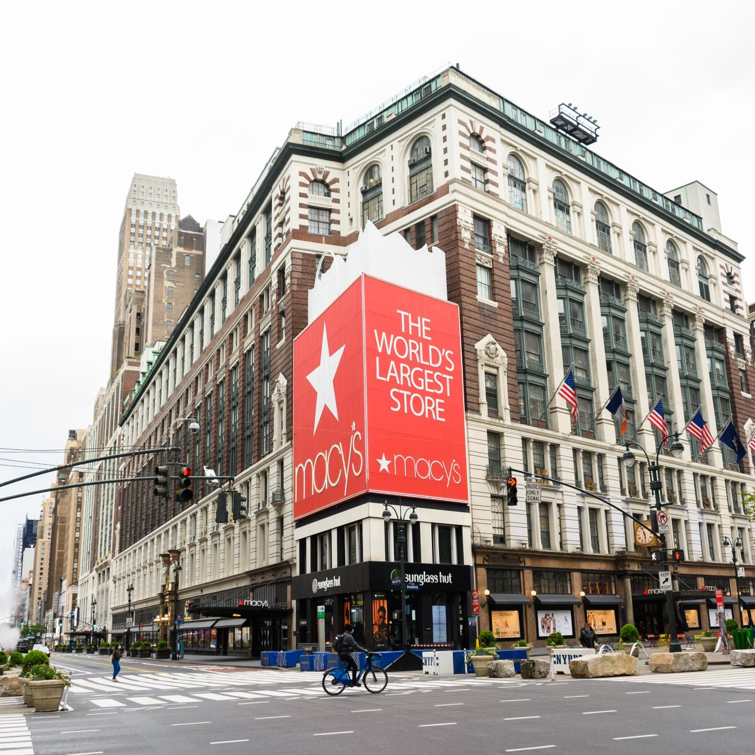 Macy's Unveils Plans To Open All 775 Stores Within The Next 8 Weeks