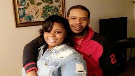 Breonna Taylor's Boyfriend Sues Louisville Police