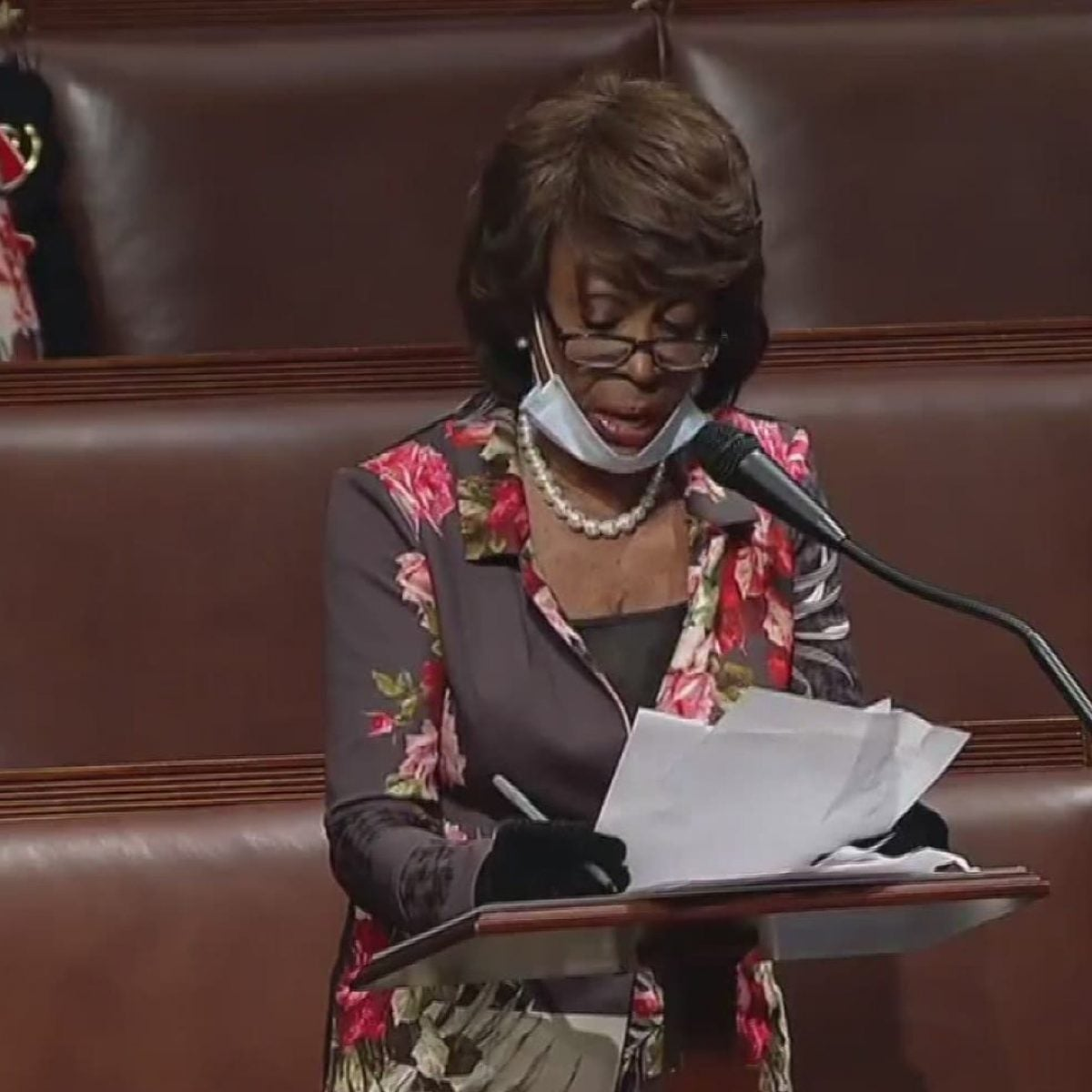 Maxine Waters Loses Sister To COVID-19
