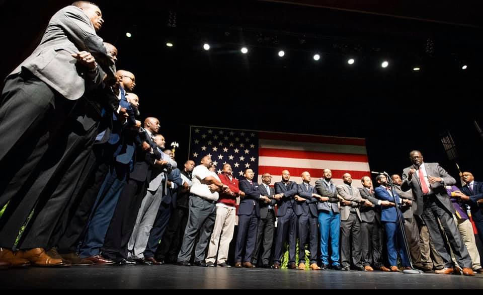 Morehouse alum sing school hymn at Steven Reed's inauguration