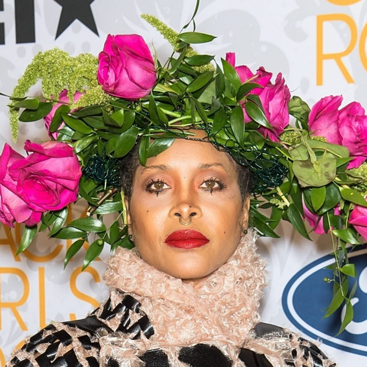 Erykah Badu Will Be The Midwife For This Pregnant Celebrity Mom