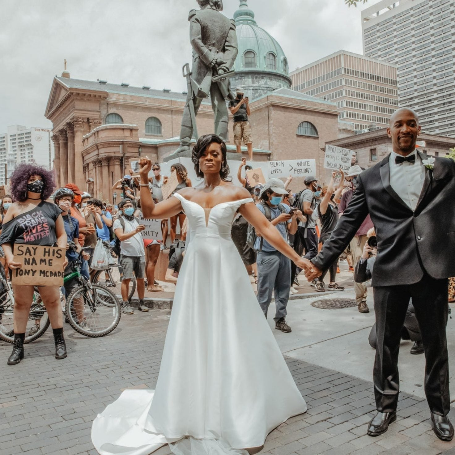 This Couple Said 'I Do' In Philadelphia During The Black Lives Matter Protest