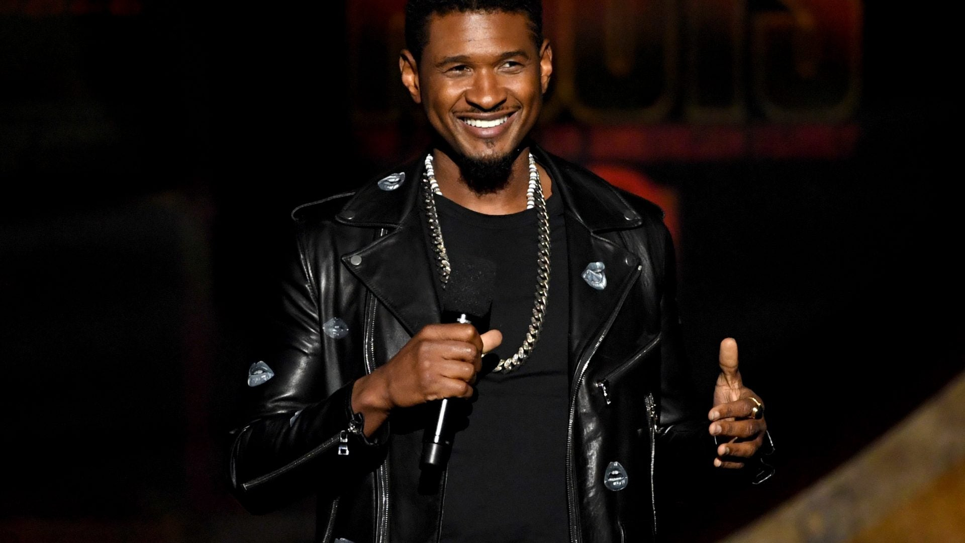 """Usher Posts A """"Then And Now"""" Moment With His Sons Usher V And Naviyd"""