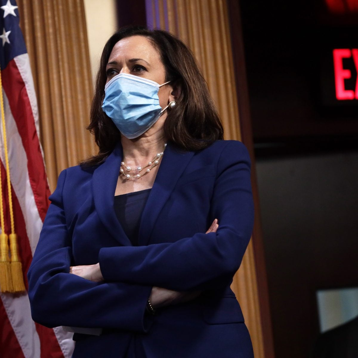 Kamala Harris Halts Travel After Campaign Staffer Tests Positive For COVID-19