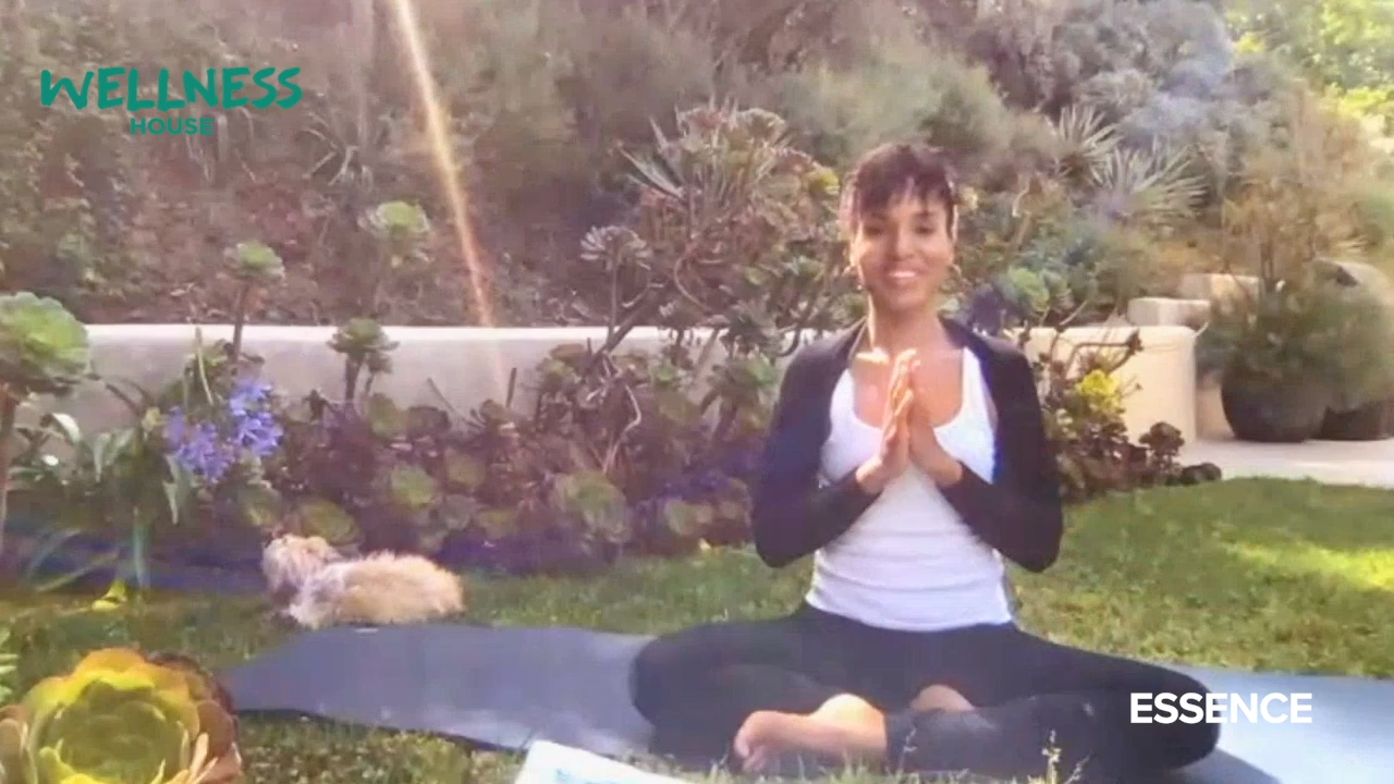Kerry Washington's Yoga Tutorial In Her Garden Is Everything You Didn't Know You Needed
