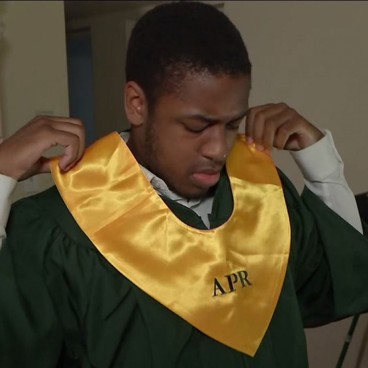 Jacksonville Teen Becomes Class Valedictorian Despite Experiencing Homelessness