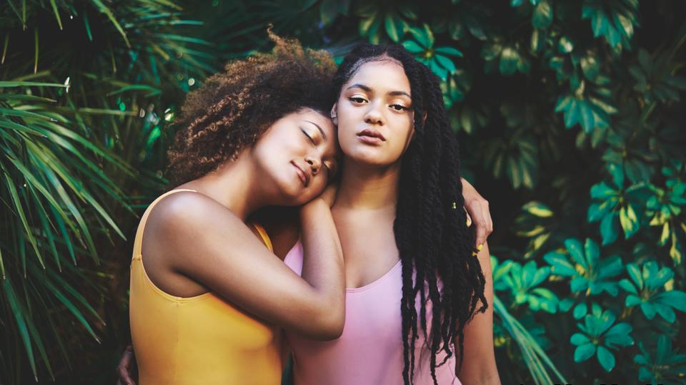 25 Beautiful Black Women In Creative Natural Hairstyles