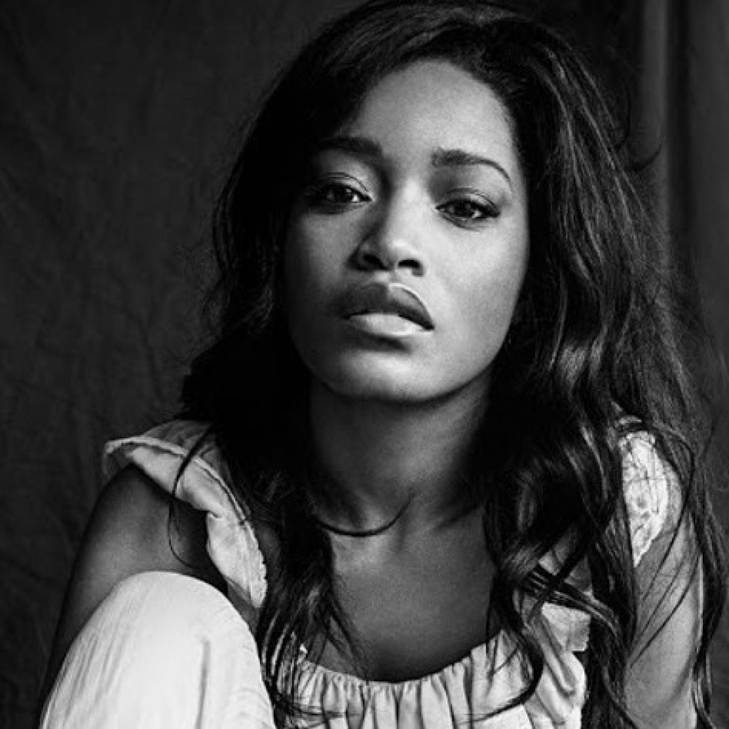 These Celebrities Are Stunning In Black And White Photos For The #WomenSupportingWomen Challenge