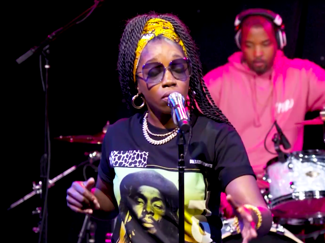 Estelle and Chronixx Perform 'Queen' at the 2020 ESSENCE Festival of Culture
