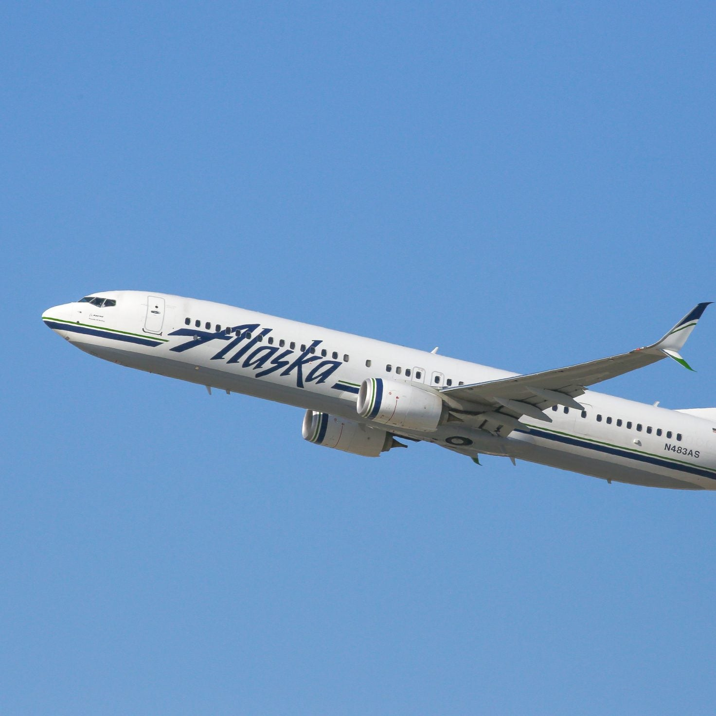 Alaska Airlines Passenger Gives Ultimatum To Flight: Accept Jesus Was Black Or Die