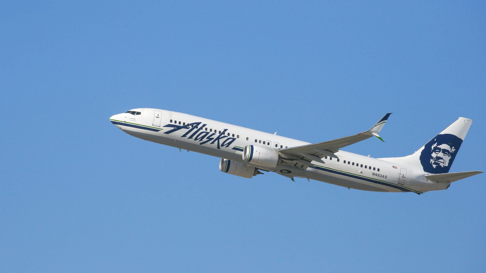 Alaska Airlines Passenger Gives Ultimatum: Accept Jesus Was Black Or Die