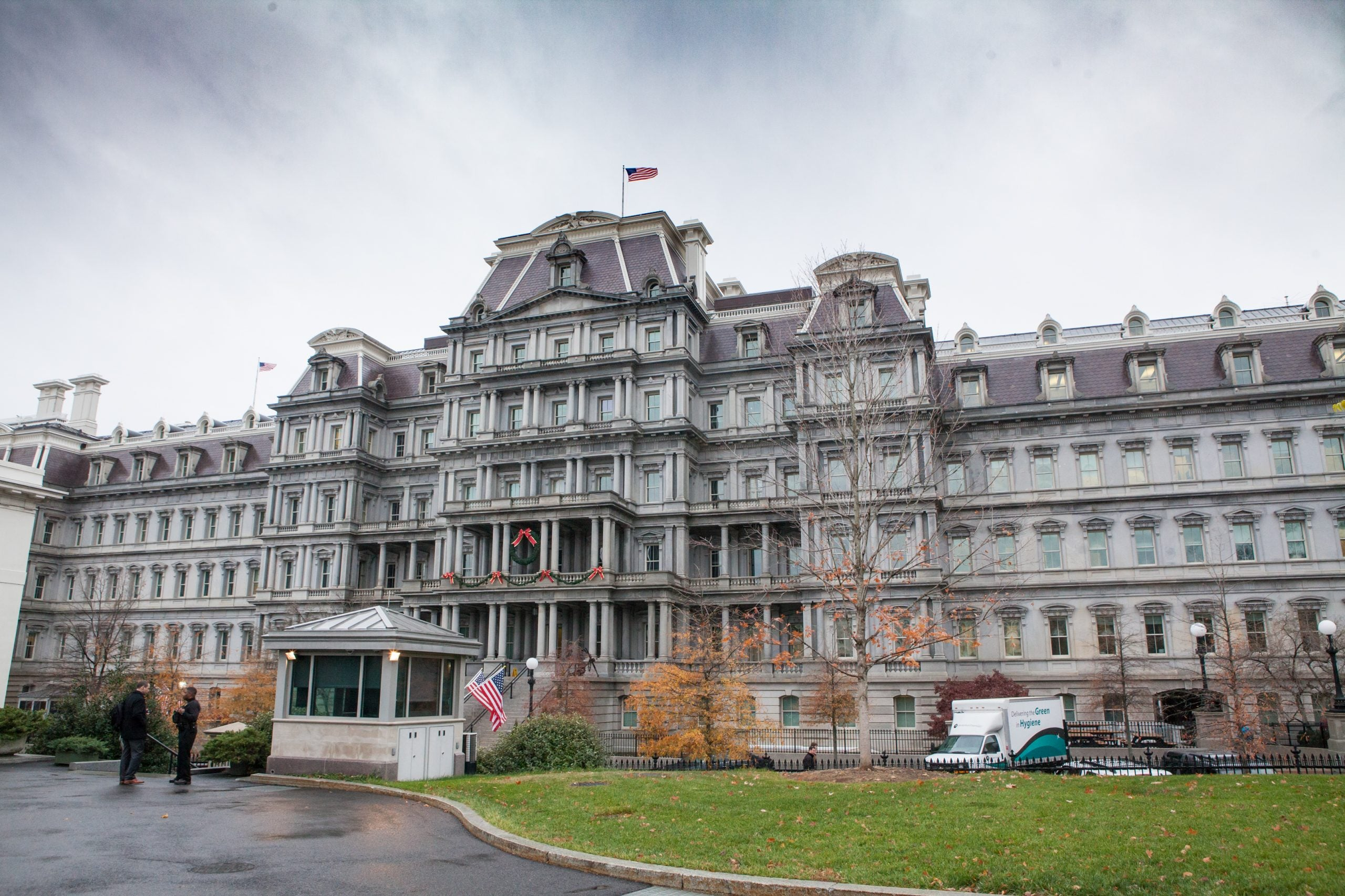 2 Cafeterias Close After Employee At White House Complex Contracts COVID-19