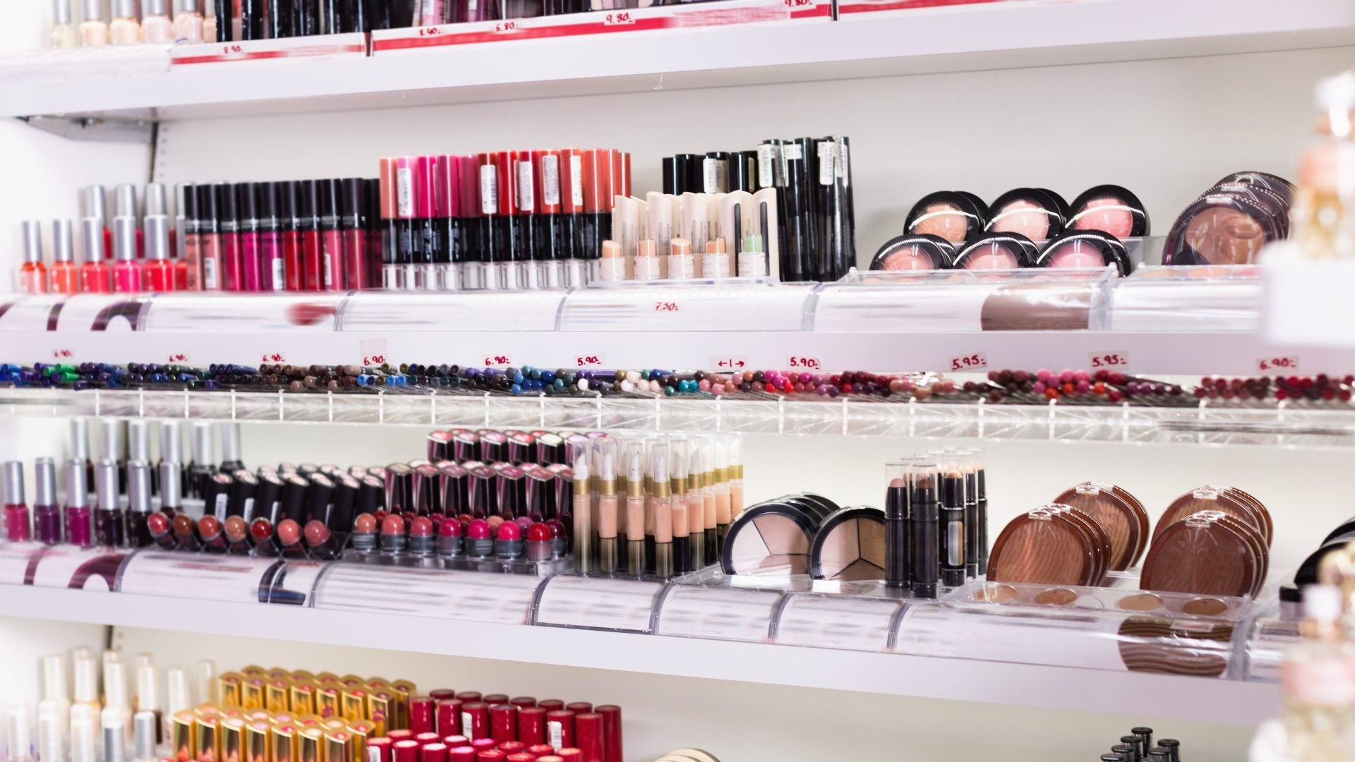 A Group Of Black Women Discuss What It's Like To Shop For Makeup At The Drugstore