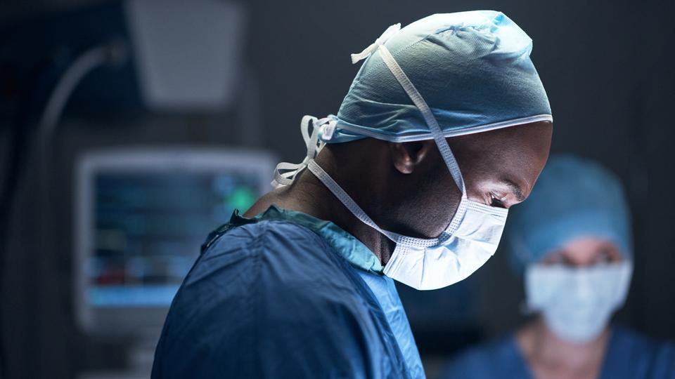 Black Surgeon Braids Patient's Natural Hair Before Surgery