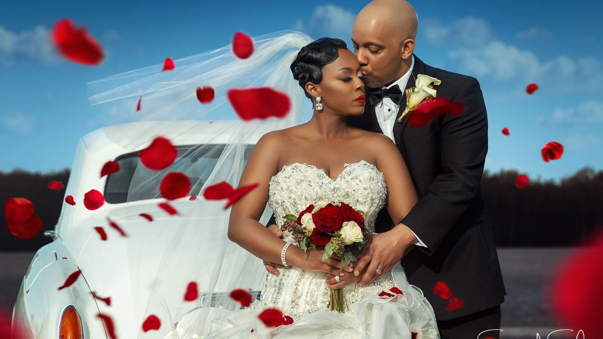 """Bridal Bliss: Krystal and Billy's """"Roses And Romance""""-Themed Wedding"""