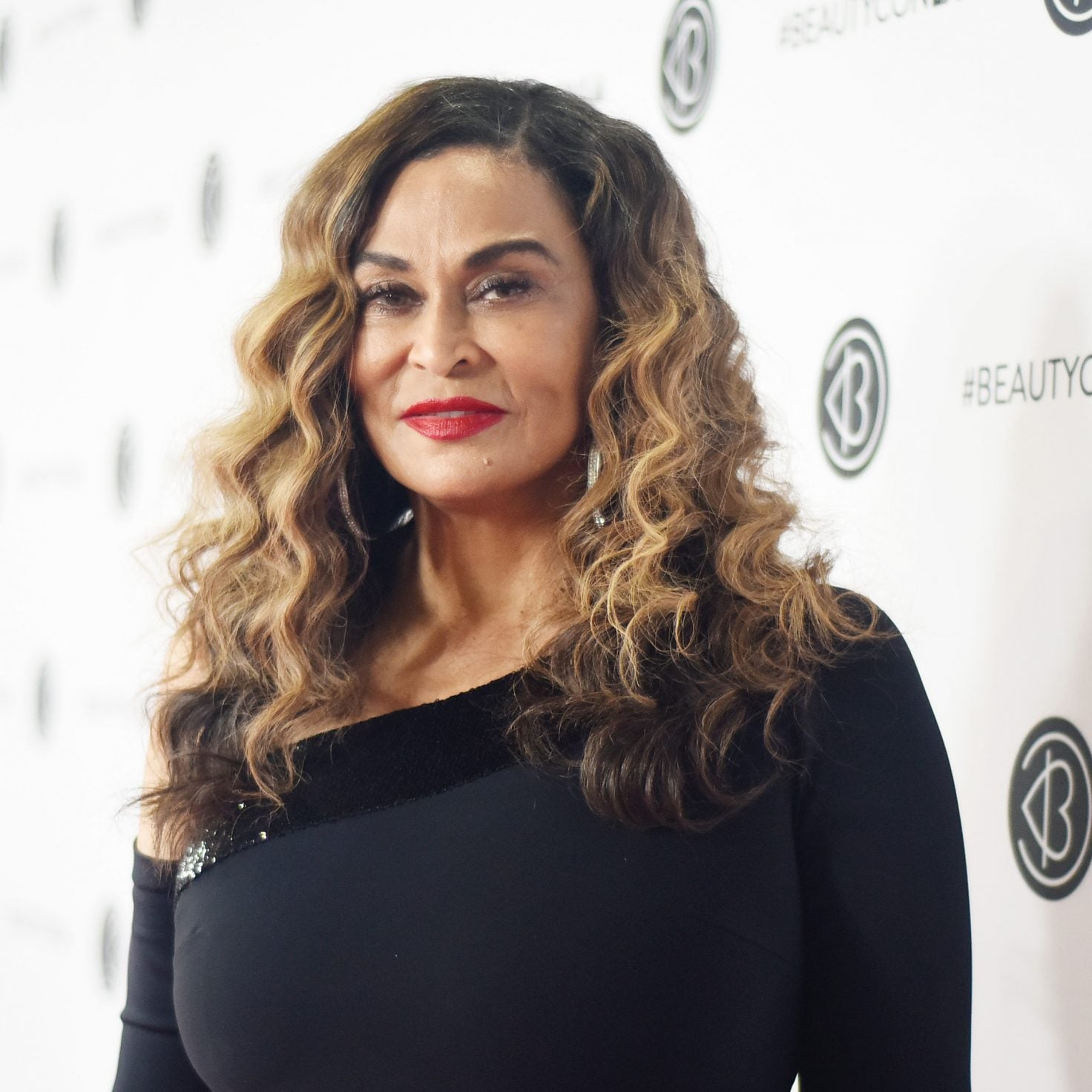 Tina Knowles-Lawson Credits Her Daughters For Helping Her Heal From Divorce