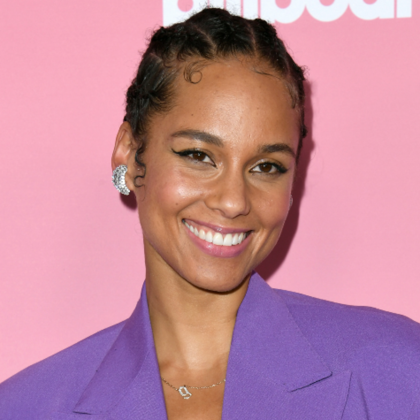 How To Get Alicia Keys's Rope Twists From 'So Done' Music Video