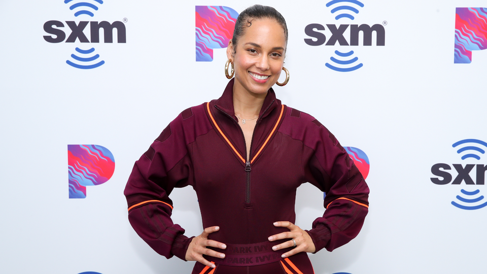 "How To Get Alicia Keys's Rope Twists From ""So Done"" Music Video"