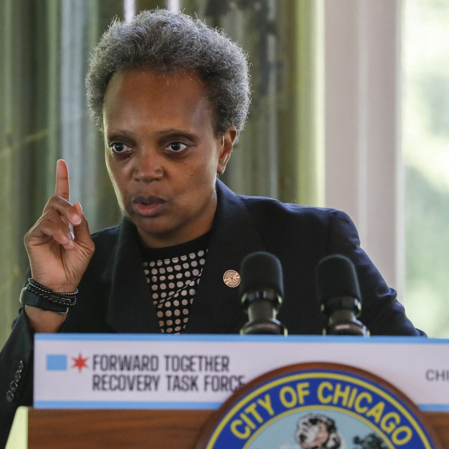 Chicago Mayor Lori Lightfoot Defends Blocking Protesters From Her Home
