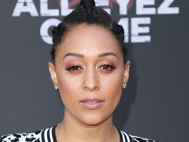 Tia Mowry Shows Off Her Gray Crown In A Gorgeous Selfie
