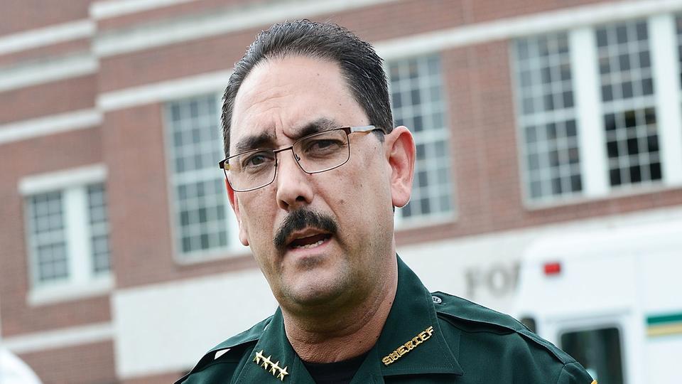 Florida Sheriff Orders Deputies Not To Wear Masks