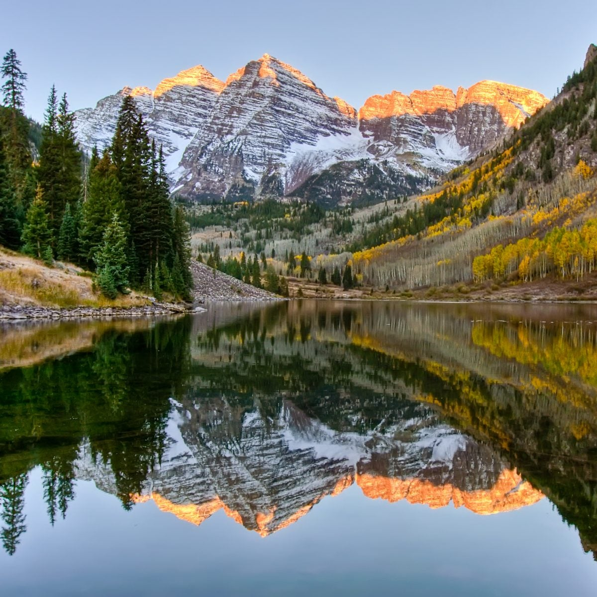 Fall Is Almost Here! 10 Easy To Visit Places Known For Gorgeous Fall Foliage
