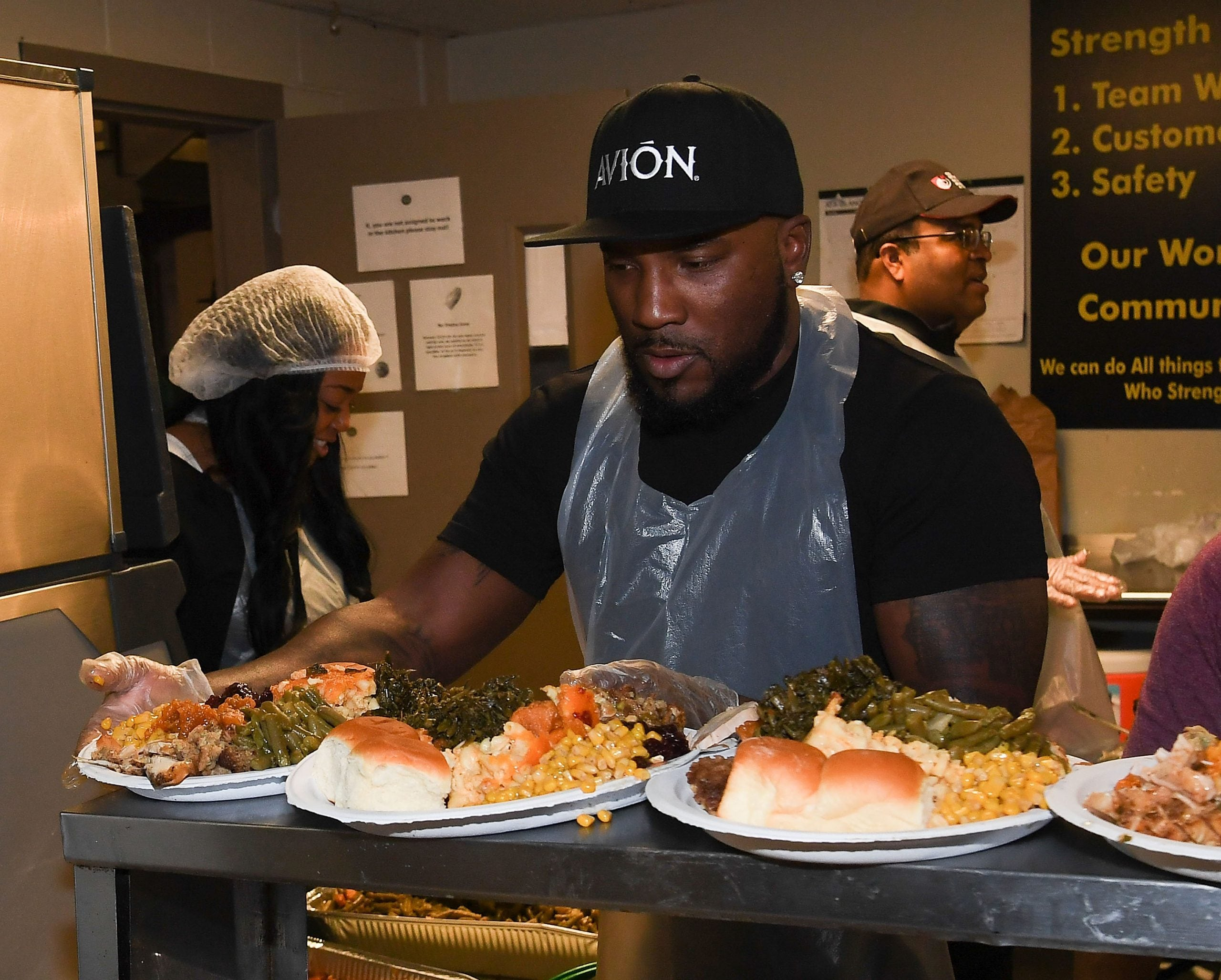 """Rapper Jeezy attends the 5th Annual """"No Reservations Needed Dinner"""" at Atlanta Mission on November 22, 2016 in Atlanta, Georgia."""